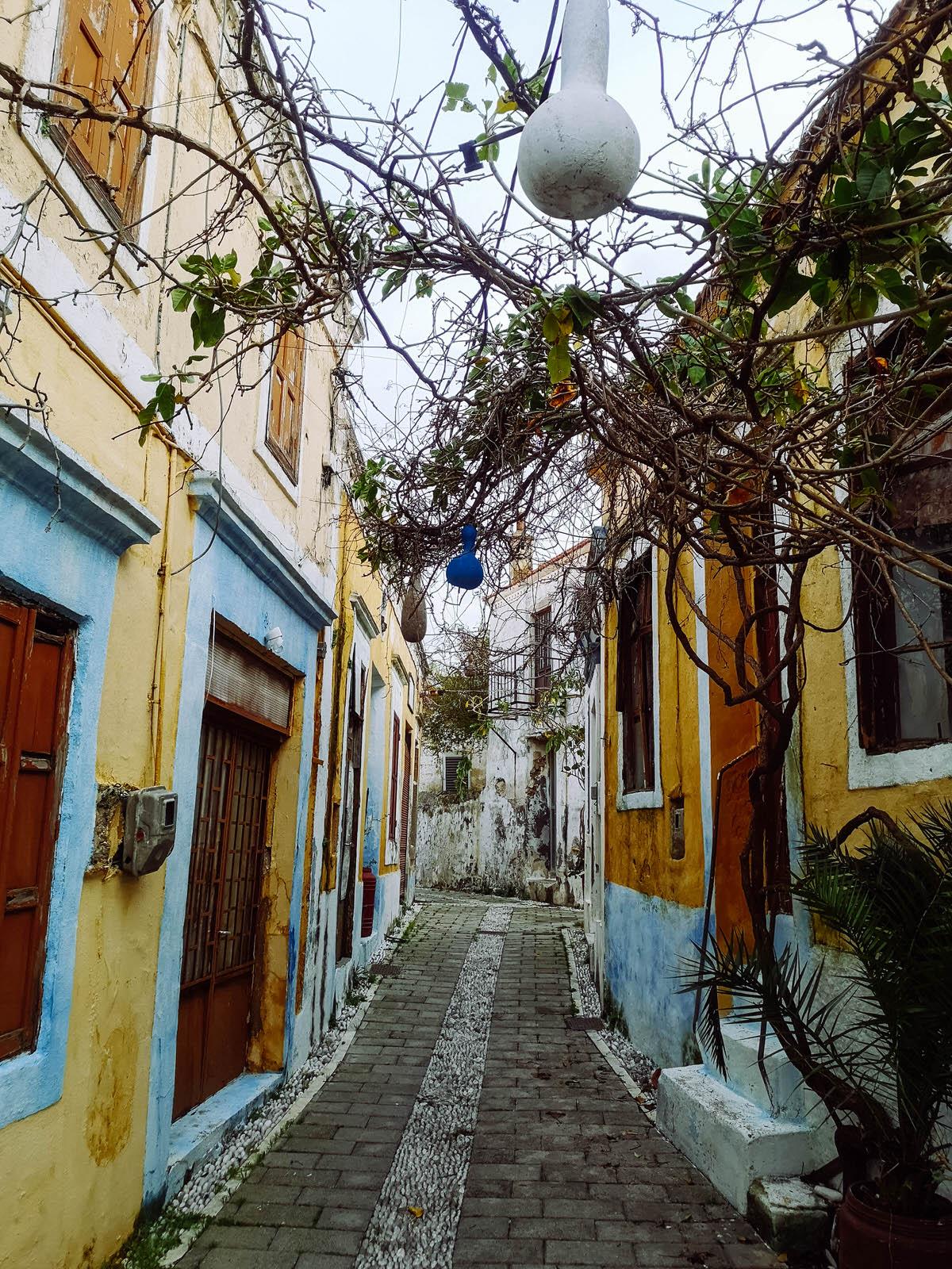 alley in koskinou village